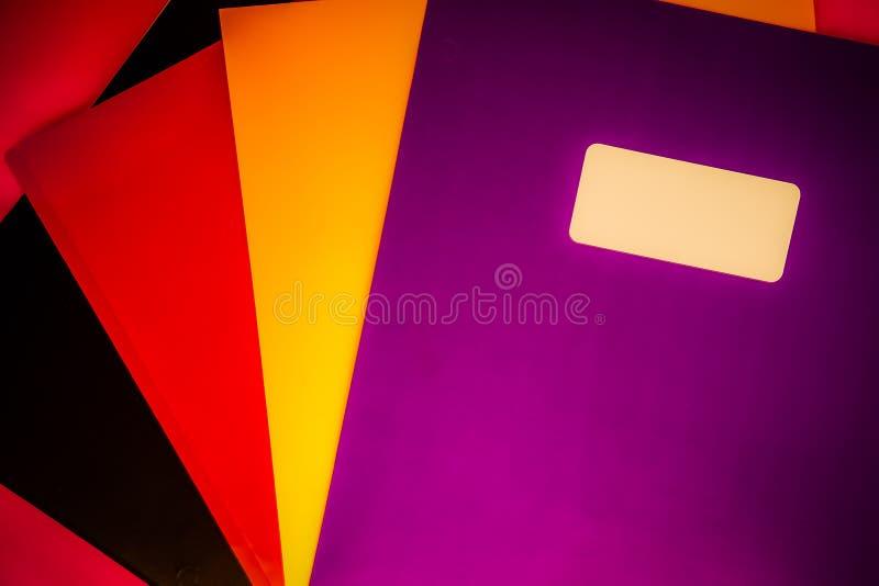 Organisatoriska mappmappar för djärv färg royaltyfri foto