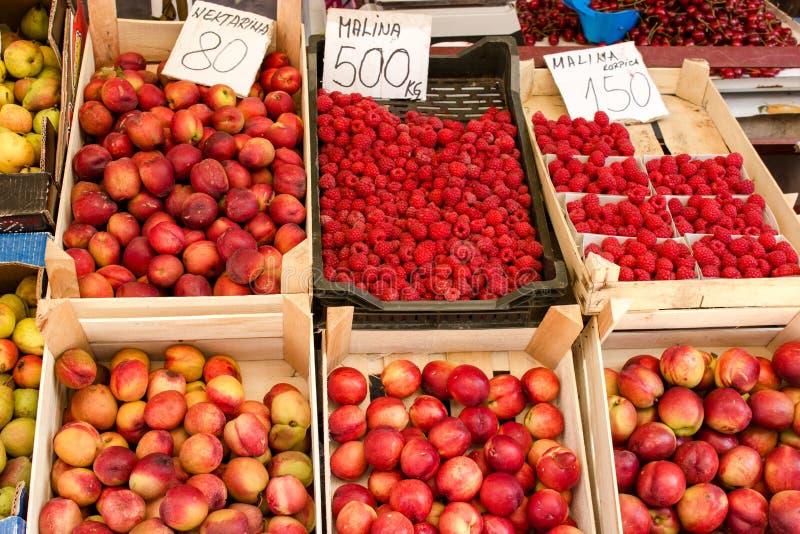 Organisch fruit van Servië stock afbeelding
