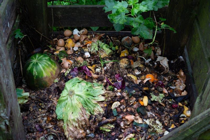 Organische het bemesten biologisch afbreekbare afvalstapel, groente, vruchten bio stock foto's