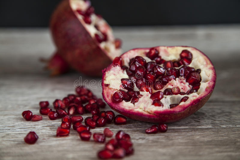 organisk pomegranate royaltyfri foto