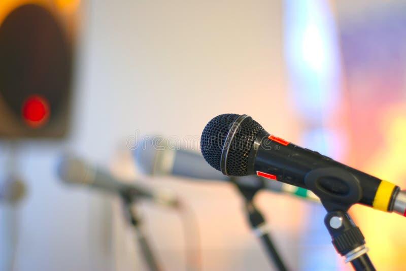 Organizzi il microfono fotografie stock