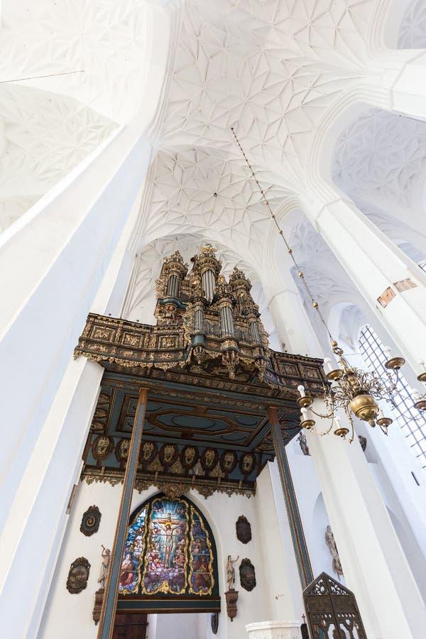 Organo alla chiesa del ` s di St Mary a Danzica fotografia stock