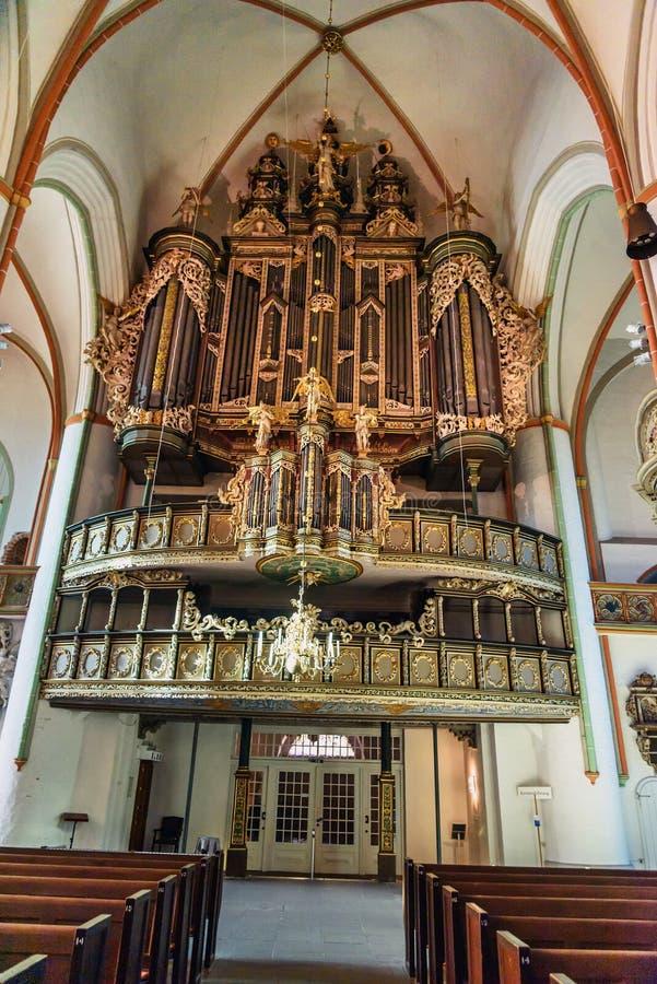 Organo barrocco in chiesa di San Giovanni Battista o Johanniskirche in Luneburg germany fotografia stock libera da diritti