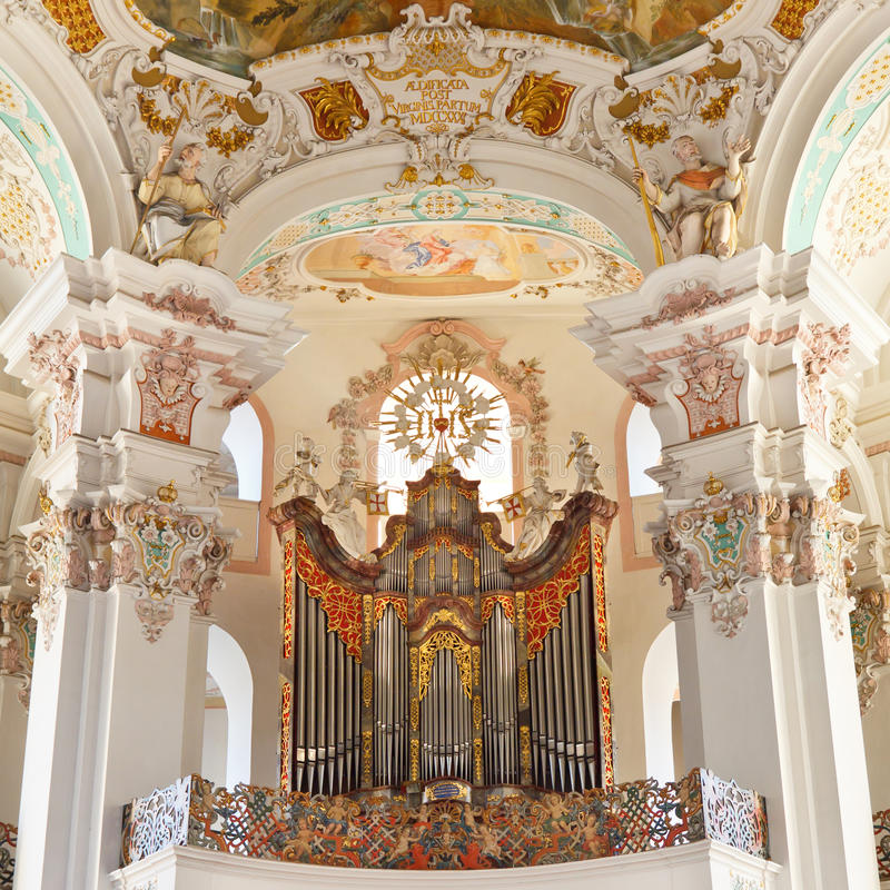 Organo barrocco della chiesa fotografie stock