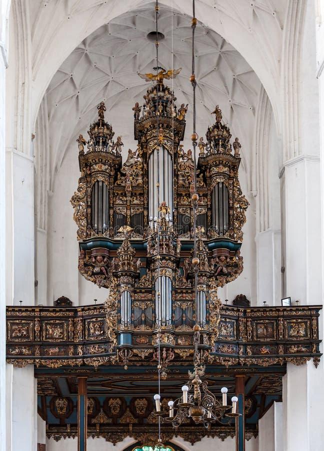 Organo barrocco della chiesa a Danzica, Polonia immagine stock