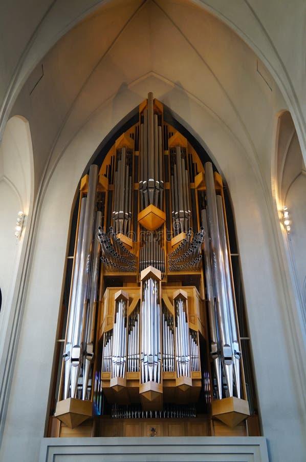 Organo nella chiesa di Hallgrimskirkja, Reykjavik, Islanda immagine stock
