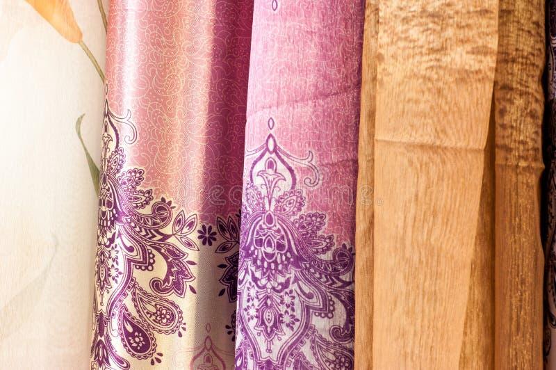 Organza translúcido colorido Gauze Curtains Fabric Drape da cortina imagens de stock