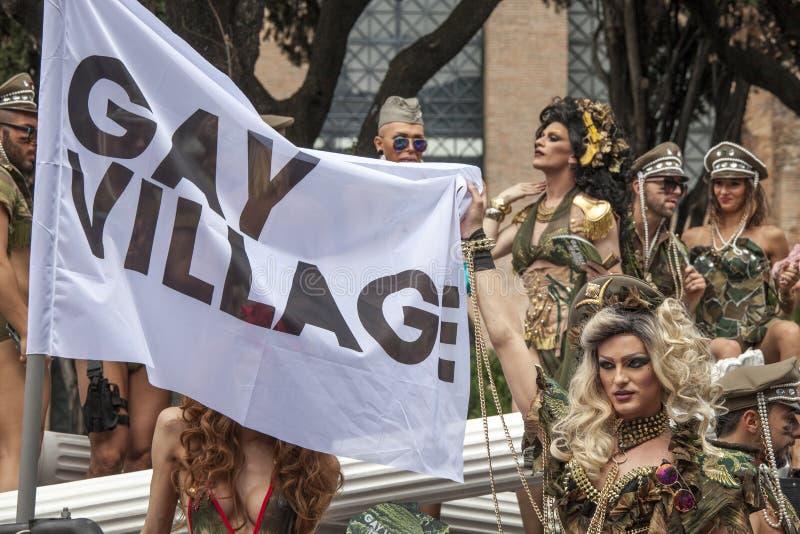 Download Orgoglio Di Roma 2015 - Gay Pride Italy - Attrazioni Sul Galleggiante Di Parata Fotografia Stock Editoriale - Immagine di galleggiante, storico: 55359813