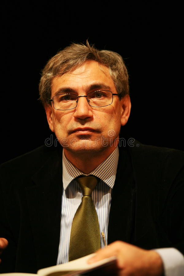Orhan Pamuk stock afbeeldingen