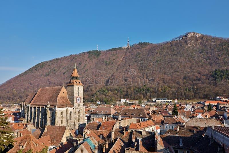 Oriëntatiepuntaantrekkelijkheid in Brasov, Roemenië Oude Stad De katholieke Zwarte Kerk stock afbeelding