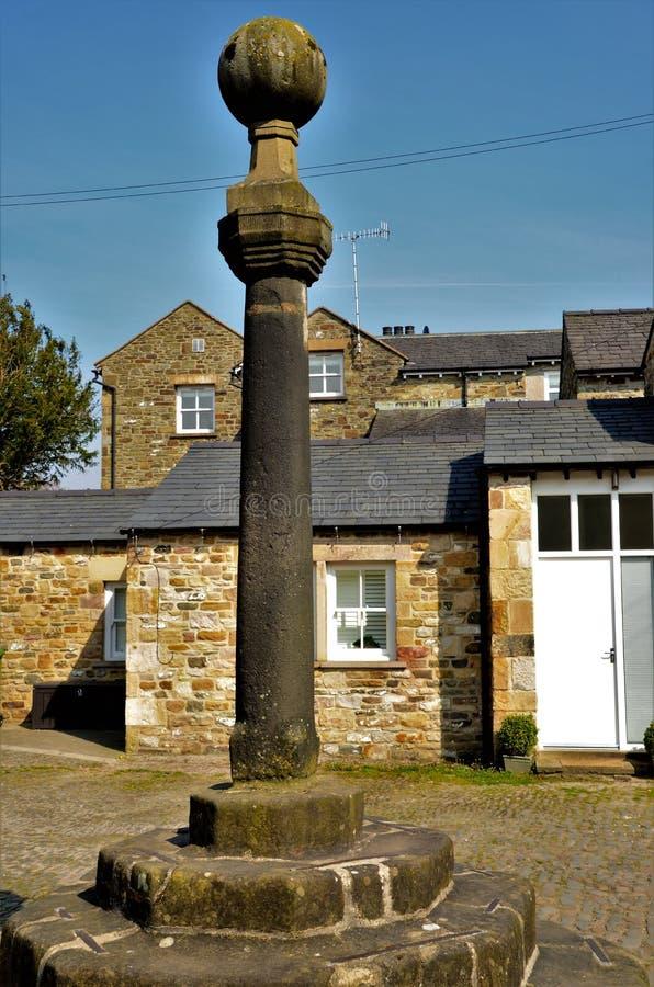Oriëntatiepunten van de Marktkruis van Cumbria - van Kirkby Lonsdale stock fotografie