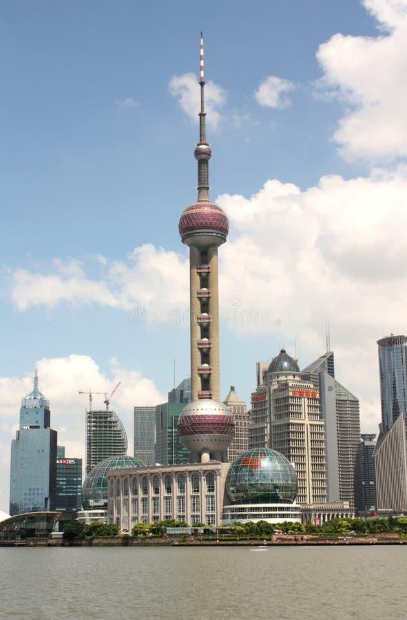 oriental perełkowy Shanghai linia horyzontu wierza tv zdjęcie royalty free