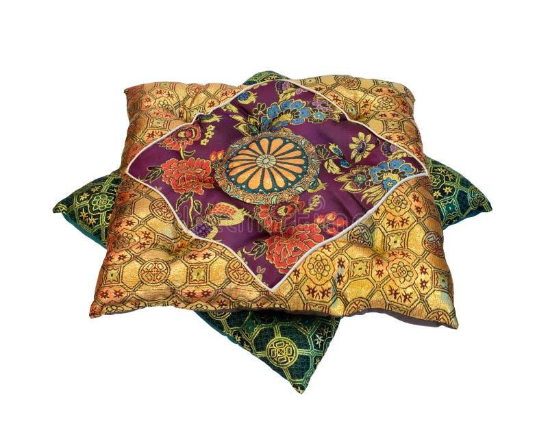 Orientalische Kissen orientalische kissen stockbild bild blumen asien 32743893