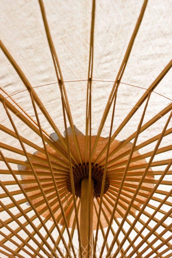 Orientalischer Regenschirm stockbild