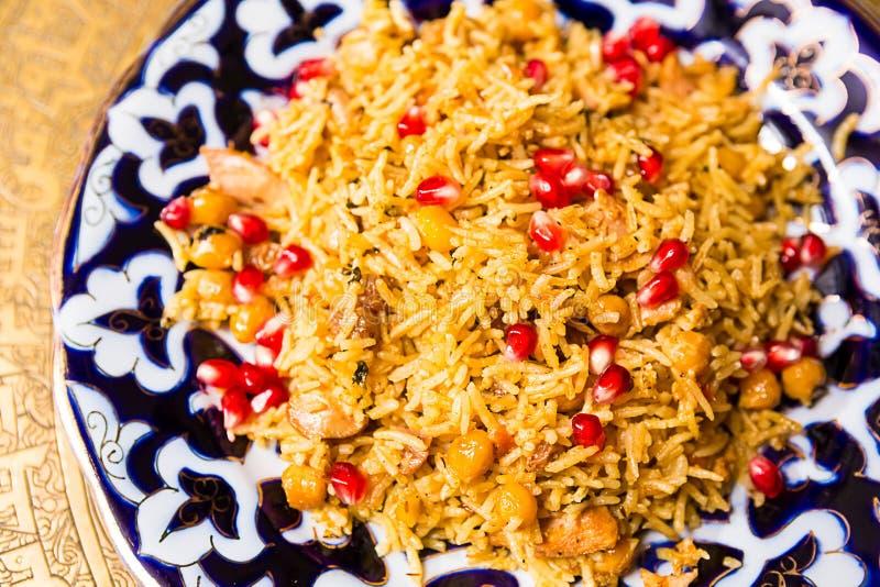 Orientalischer Schahpilaf, pilaw, plov, Reis mit Fleisch lizenzfreie stockbilder