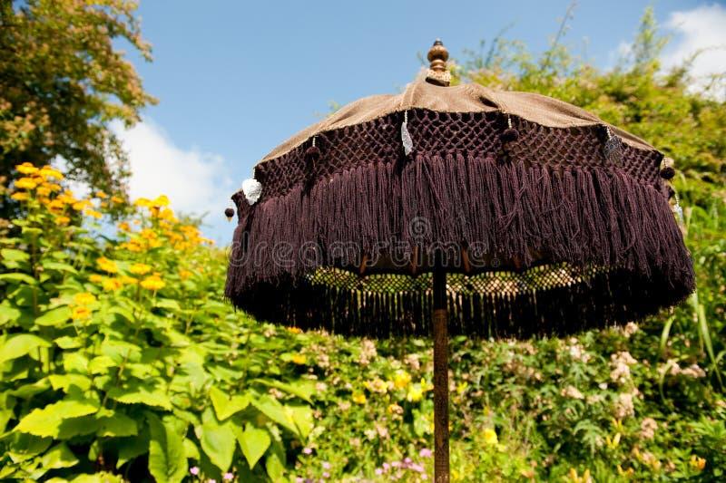 orientalischer sonnenschirm stockbild bild von regenschirm sonnig 10127915. Black Bedroom Furniture Sets. Home Design Ideas