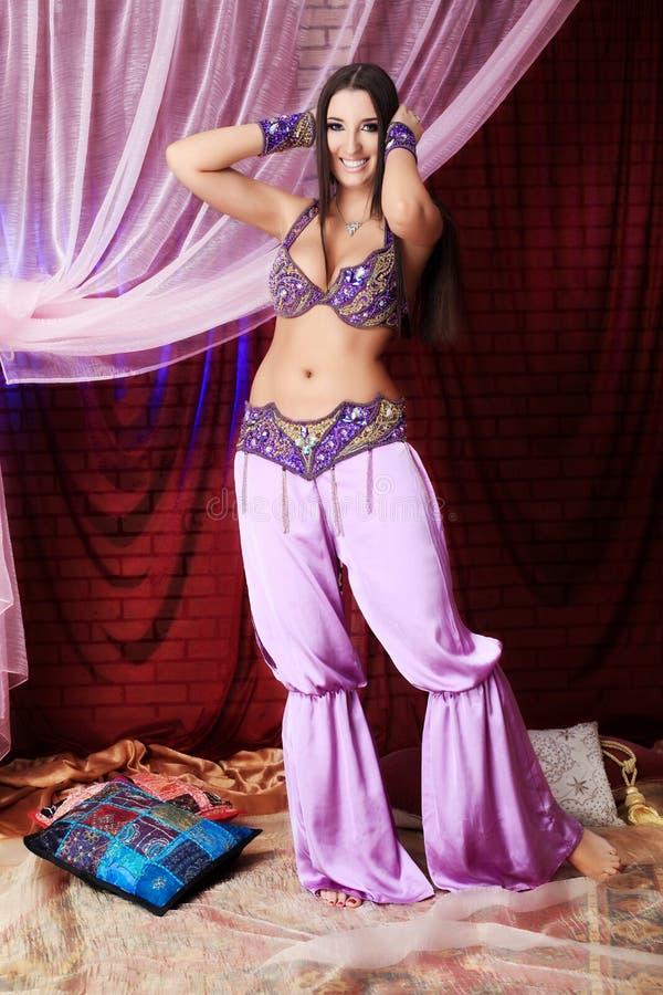 Orientalisches Kostüm lizenzfreies stockbild