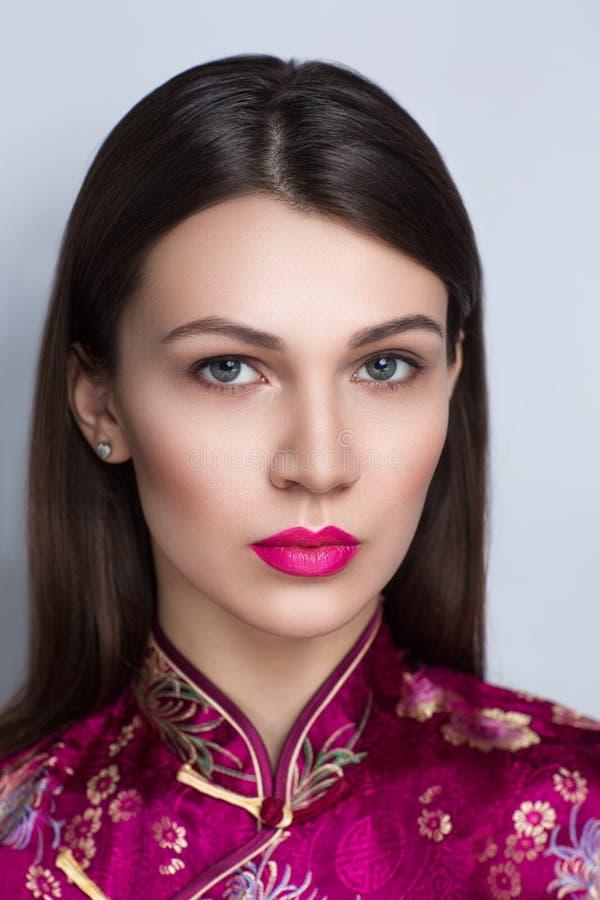Orientalisches Schönheitsmädchen stockfotos