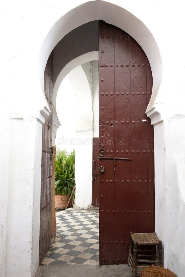 Orientalisk dörr royaltyfri fotografi