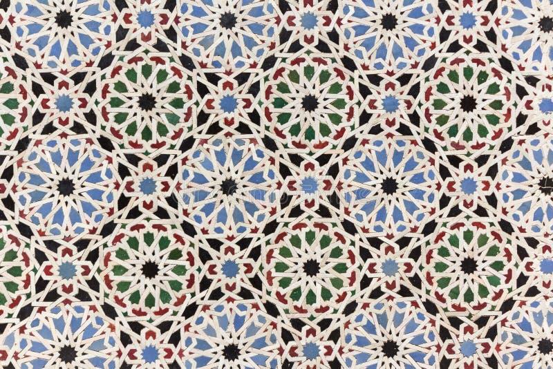 Orientalisk mosaikgarnering - Marocko väggtegelplattor arkivbild
