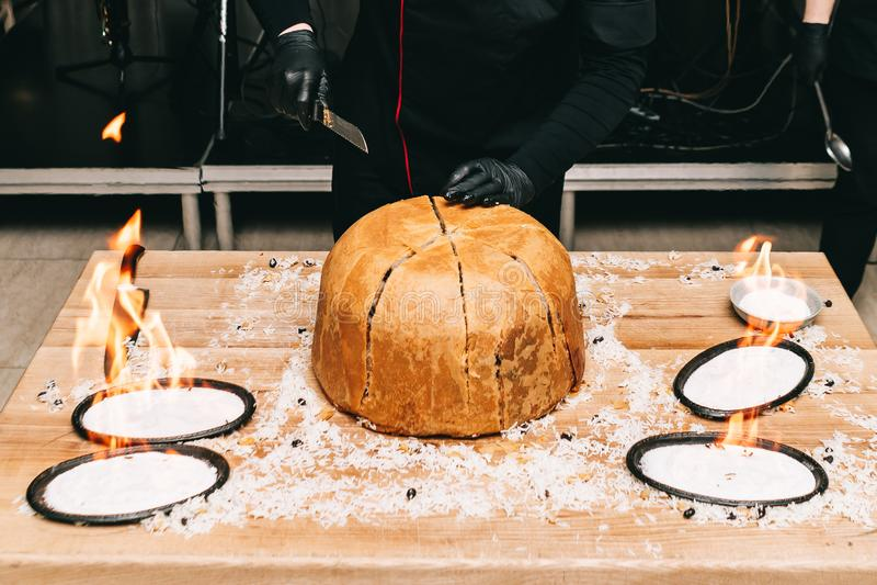 Orientalny shah pilaf, pilaw, plov, ry? z mi?sem w ciasta filo, wy?mienicie fragrant korzenny naczynie zdjęcia stock