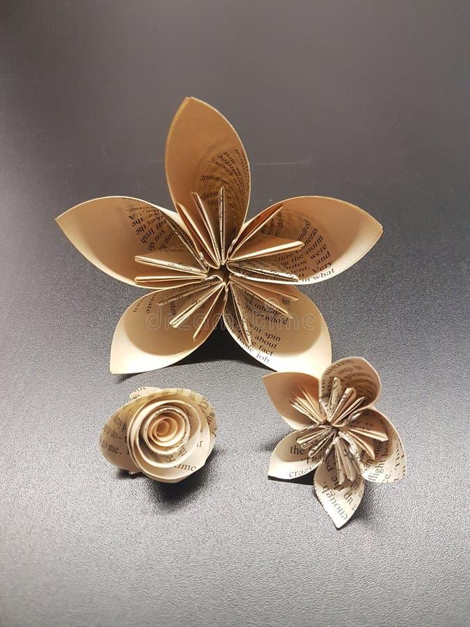 Origami Blumen lizenzfreie stockfotografie