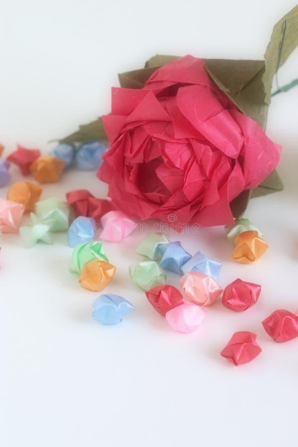 Origami levantou-se com estrelas imagem de stock royalty free