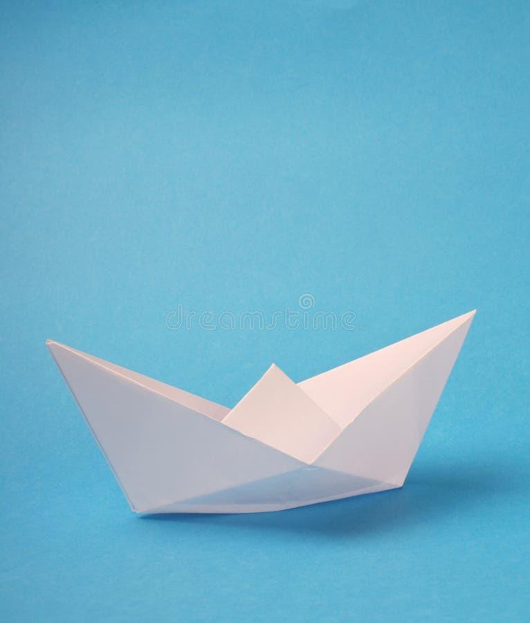 Origami papieru łódź zdjęcia stock