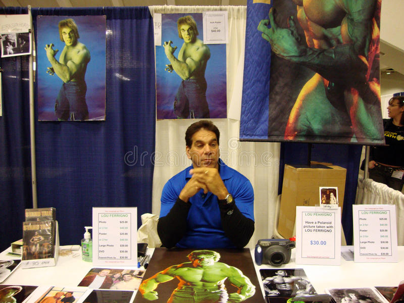 Download 'the Original Hulk' TV At Wondercon 2010 Editorial Photo - Image of hands, flexing: 14825106