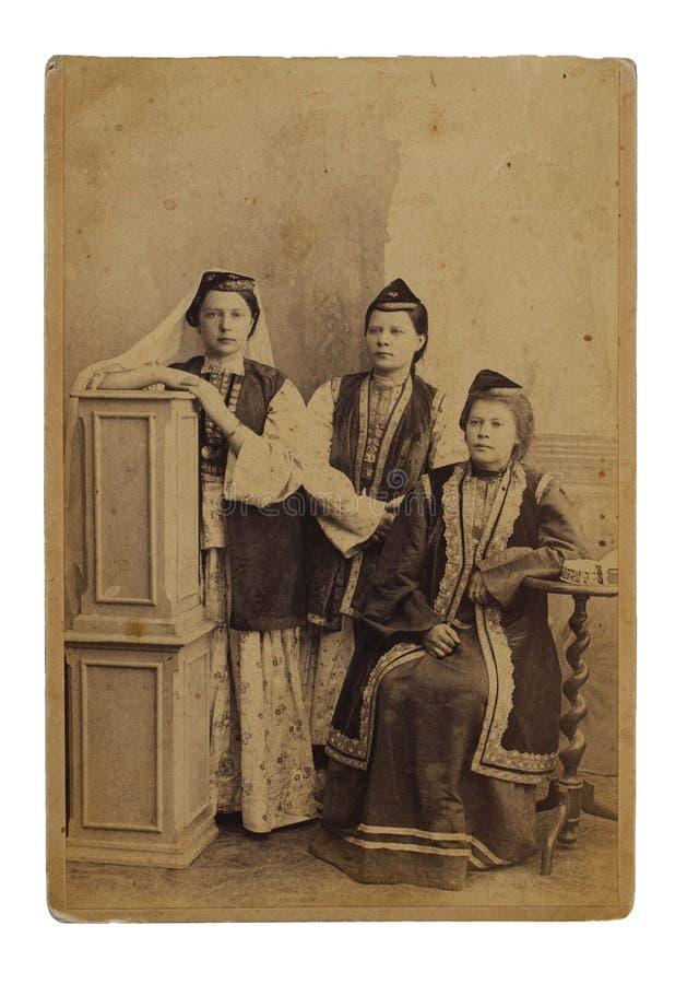 Originele antieke foto 1898 van drie jonge tatars vrouw royalty-vrije stock afbeeldingen