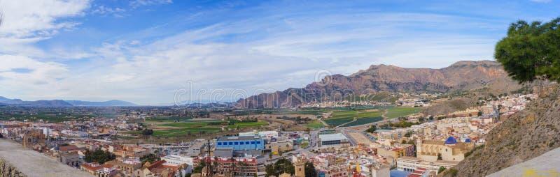 Orihuela, España - 10 de fevereiro de 2018: Vista panorâmica do cit fotos de stock