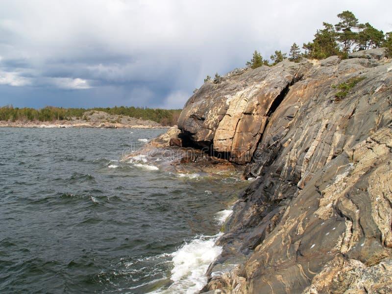 Download Orilla De La Roca En El Mar Báltico Foto de archivo - Imagen de báltico, oleada: 1280214