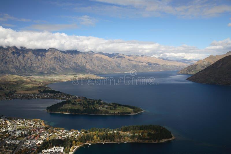Orilla del lago de Queenstown imagen de archivo libre de regalías