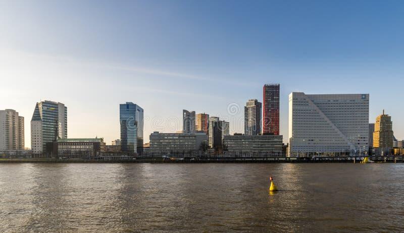 Orilla del norte de Rotterdam Nieuwe Mosa imagenes de archivo