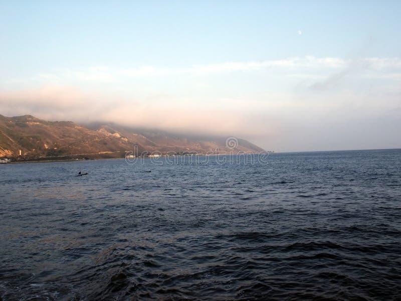 Download Orilla Del Océano De La Costa Imagen de archivo - Imagen de ondas, profundamente: 184645