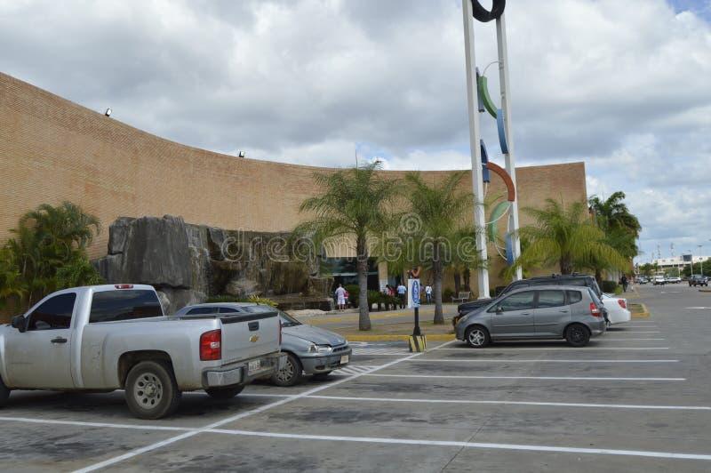 Orinokia购物中心入口 奥尔达斯港,委内瑞拉 库存照片