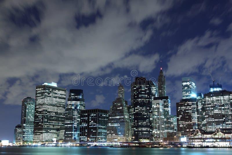 Orizzonte alla notte, New York City di Manhattan immagini stock libere da diritti