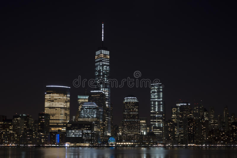 Orizzonte alla notte, New York City di Manhattan fotografie stock