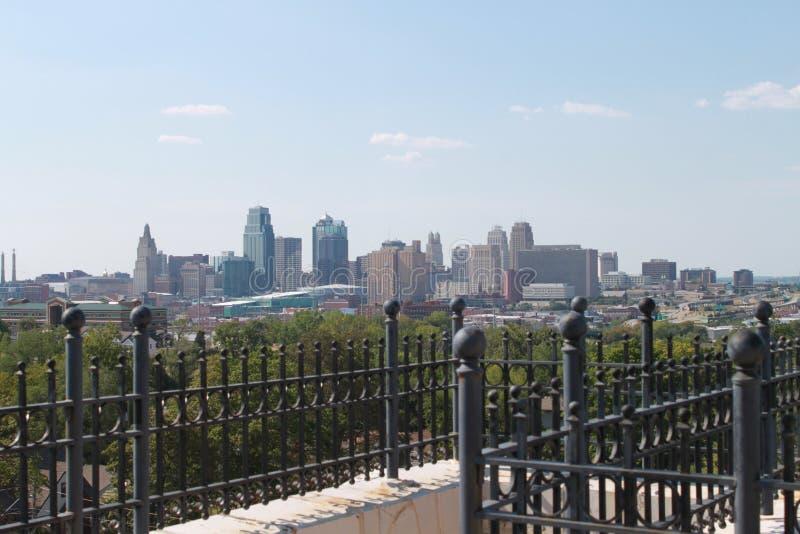 Orizzonte del centro di Kansas City Missouri fotografie stock libere da diritti