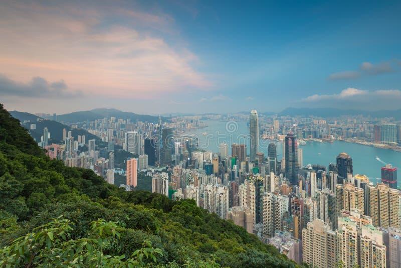 Orizzonte del downtwn di affari della città di Hong Kong dalla prospettiva di Lugard immagine stock libera da diritti