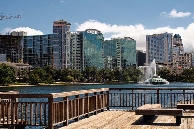 Orizzonte del lago Eola e di Orlando fotografia stock