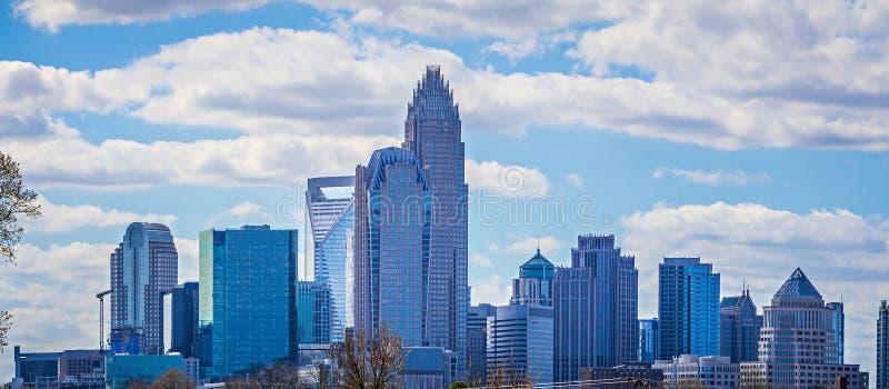orizzonte della città di Charlotte North Carolina e del centro fotografie stock