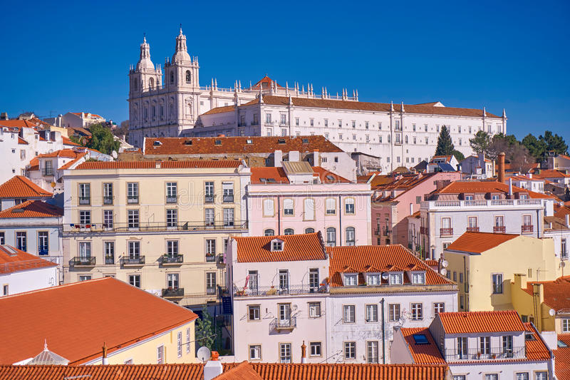 Orizzonte della città di Lisbona, Portogallo fotografia stock