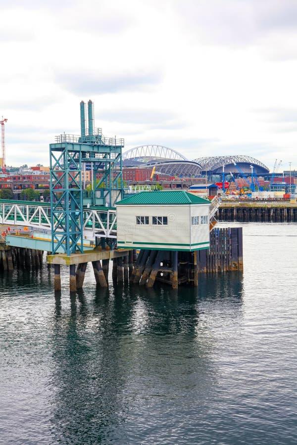 Orizzonte della città di lungomare di Seattle fotografia stock