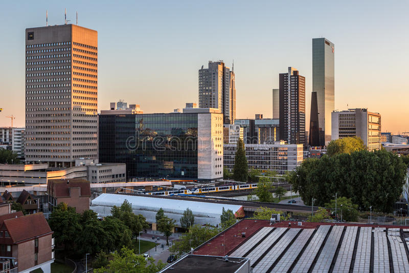 Orizzonte della città di Rotterdam fotografia stock libera da diritti