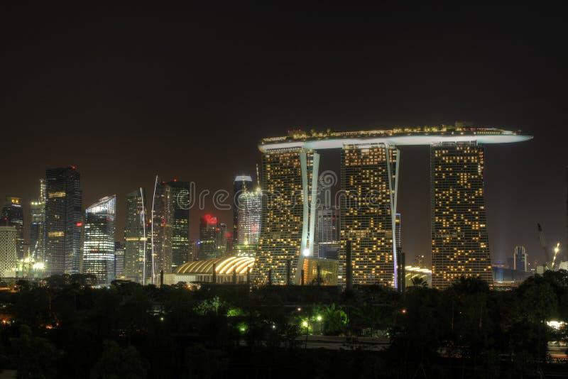 Orizzonte della città di Singapore alla notte 3 fotografia stock libera da diritti