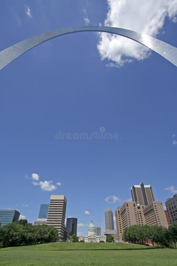 Orizzonte della città di St. Louis fotografia stock