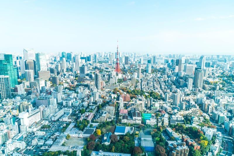 Orizzonte della città di Tokyo con la torre di Tokyo fotografie stock libere da diritti