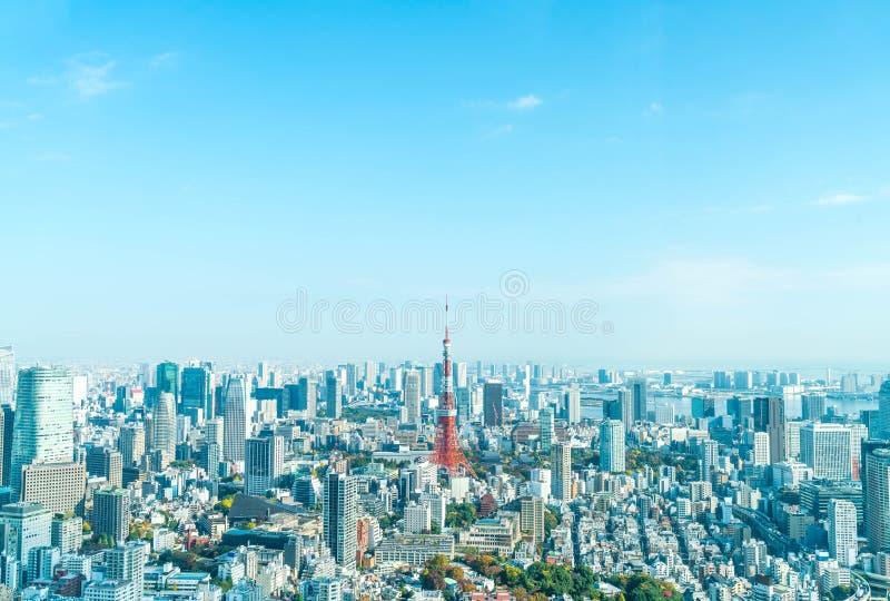 Orizzonte della città di Tokyo con la torre di Tokyo immagini stock libere da diritti