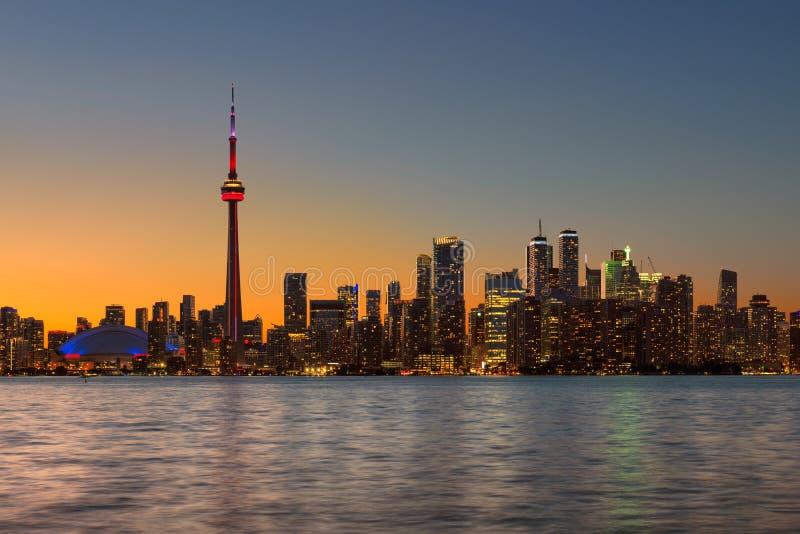 Orizzonte della città di Toronto alla notte immagine stock libera da diritti